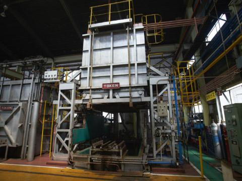 共立のバッチ型溶体化炉
